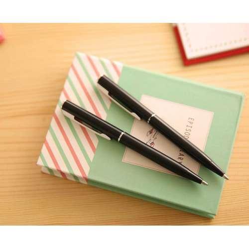 Блокнот с ручкой и закладками